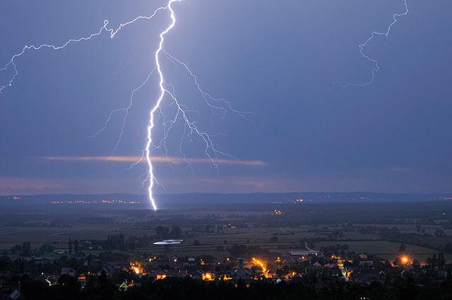 Foto de una tormenta con filtros