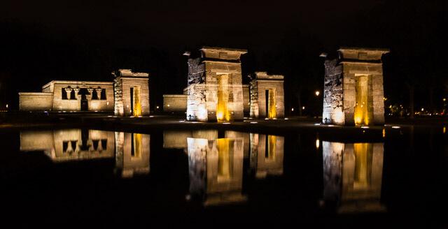 Fotografía nocturna. Templo de Debod