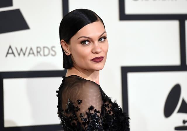 Maquillaje de Jessie J en la gala Grammy 2015