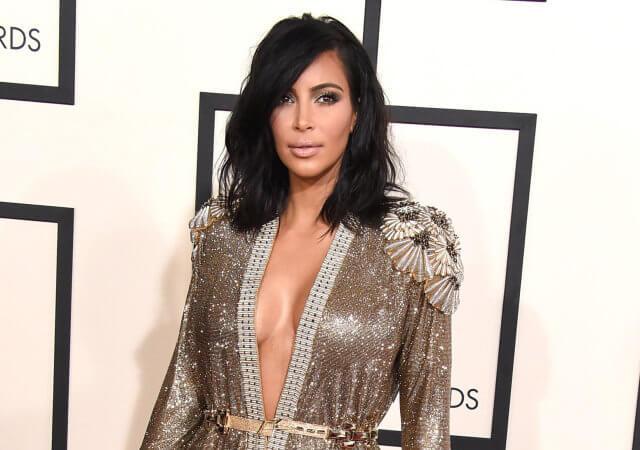 Maquillaje de Kim Kardashian en la gala Grammy 2015