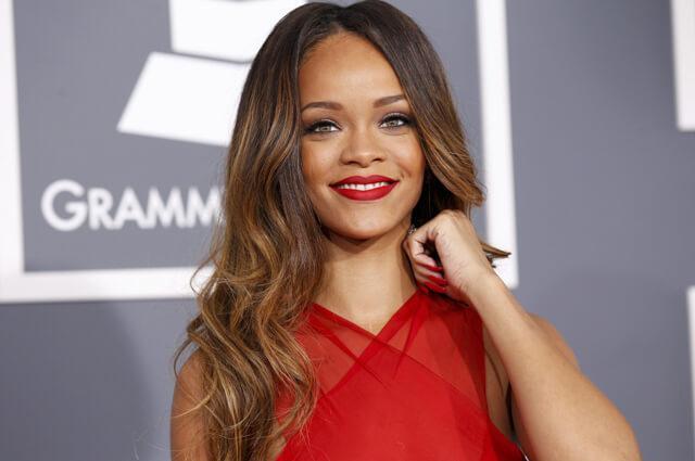 Maquillaje de Rihanna en la gala Grammy 2013