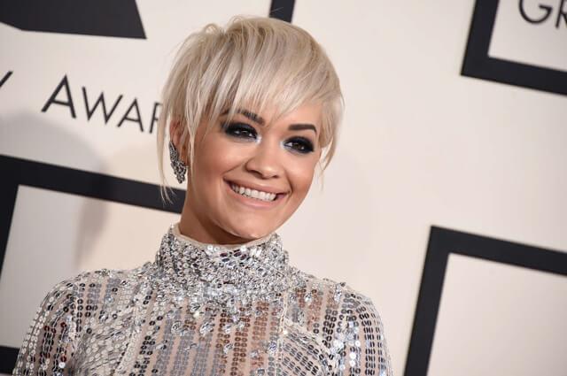 Rita Ora en la gala Grammy 2015