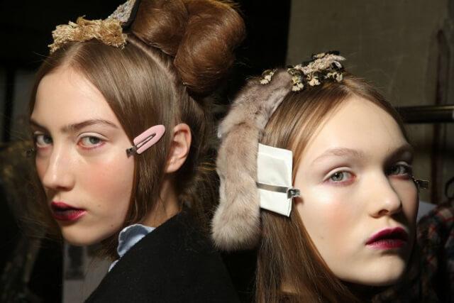 Backstage del desfile de Juan Antonio Marras en la Milan Fashion Week. Las modelos van maquilladas con labios ombré