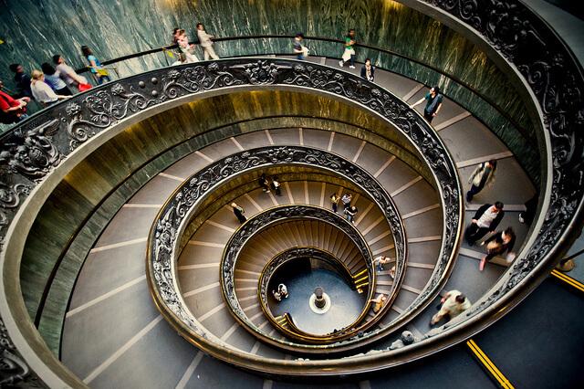 Escaleras del Vaticano | Vicente Villamón Fuente: Flickr