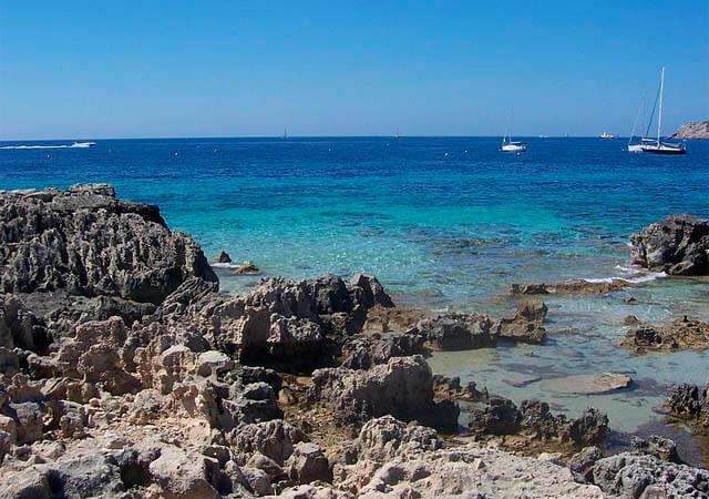 La playa de Ses Salines, en Ibiza. Autor: Zavijavah en Wikimedia Commons