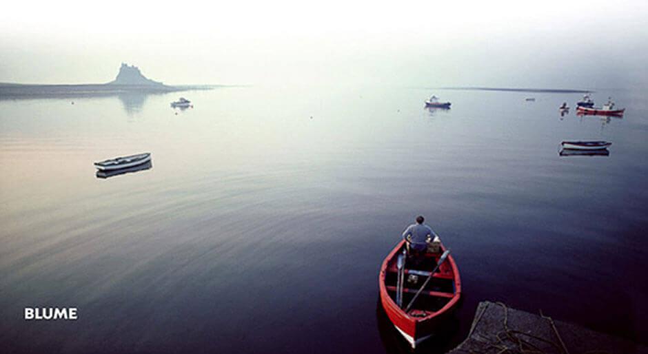 barca navegando