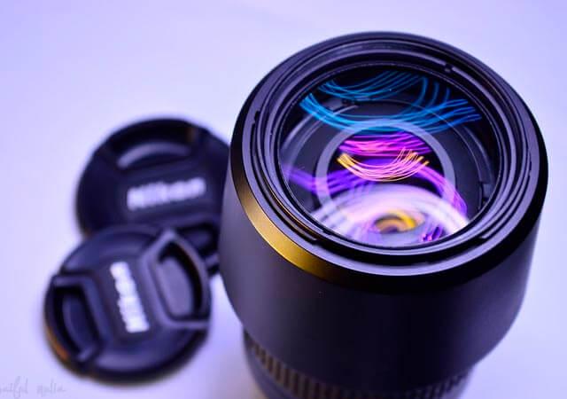 Limpia bien la lente de la cámara para evitar manchas indeseadas en la imagen | Fuente: Pixabay