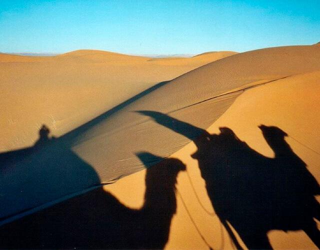 Sombras en el desierto | Fuente: Flickr