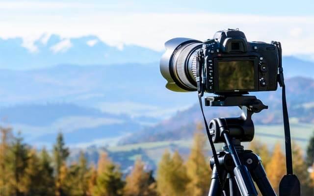 A veces es necesario un trípode que mantenga la estabilidad de la imagen | Fuente: www.pixabay.com