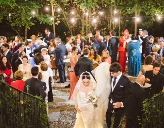 La luz de las fotografías en las boda es algo difícil de manejar pero de suma importancia para que quede todo perfecto