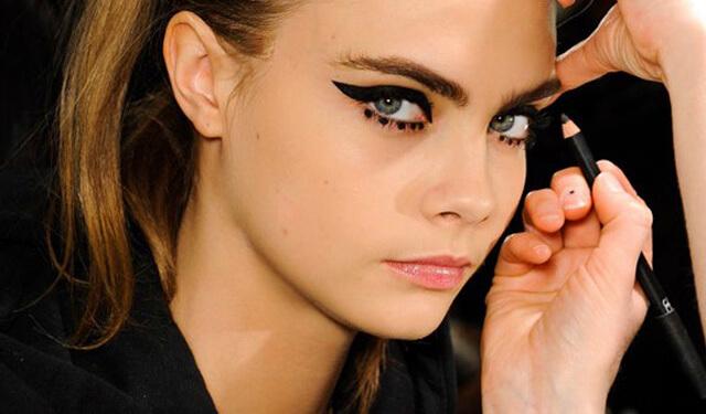 Dot eyeliner: Cara Delevingne