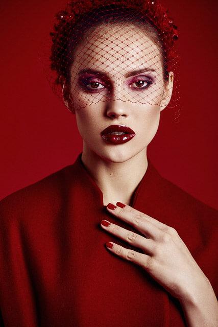 Retrato de modelo para editorial de moda