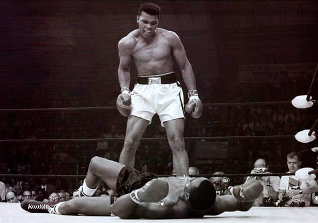 John Rooney Captaba el momento en el que Alí revalidaba su título de los pesos pesados en 1965 contra Sonny Liston