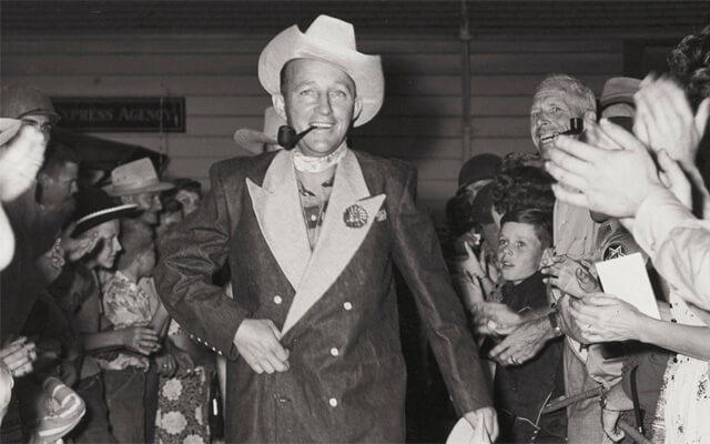 Looks de moda: Bing Crosby luciendo un canadian tuxedo