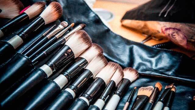 Las brochas son esenciales para un maquillador profesional