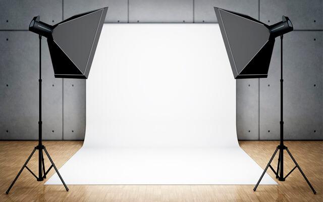 Tipos de iluminación: mesa de bodegón en blanco
