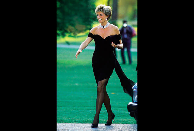 Lady Di con un little black dress diseñado por Christina Stambolian
