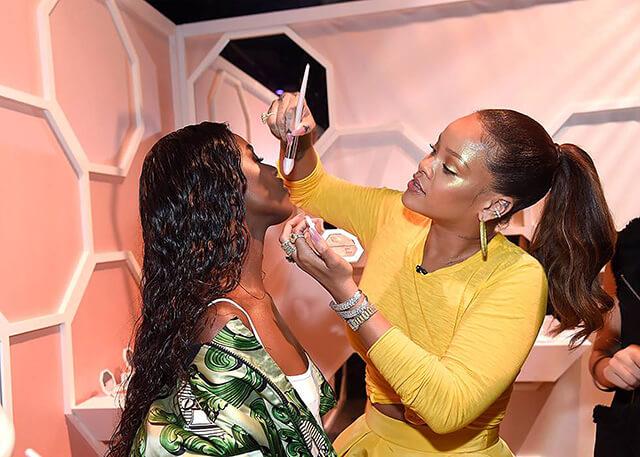 Famosas con su propia línea de maquillaje