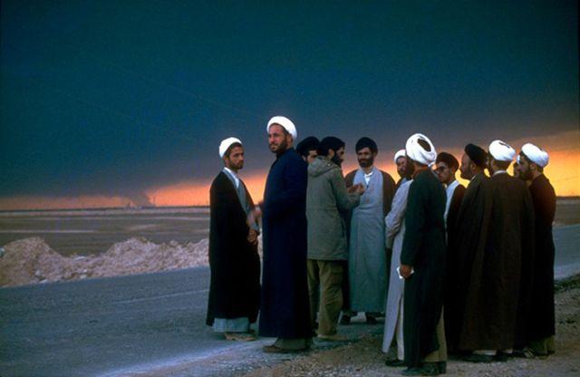 Grupo de personas en el desierto