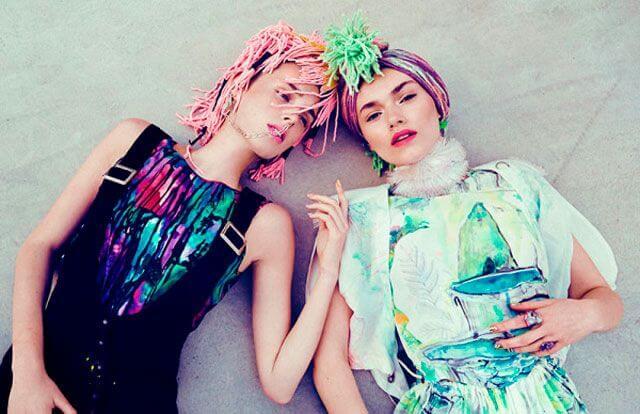 Chicas con pelo fantasía