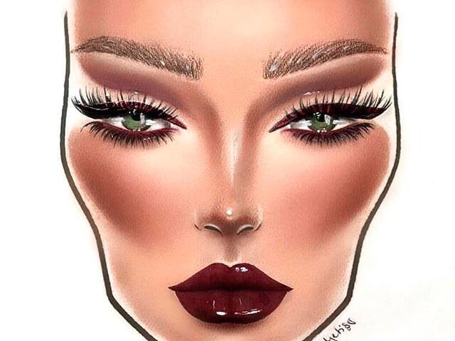 Maquillaje en tonos marrones sobre piel dorada.