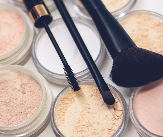 Productos de maquillaje de televisión.