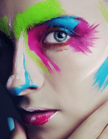 Pedro Cubelo alumno de maquillaje